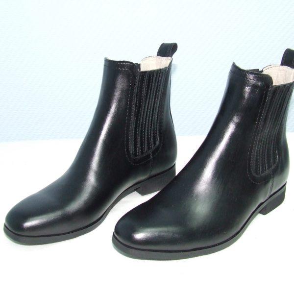 Ботинки на резинке